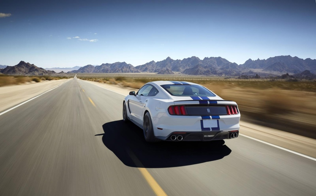 2014 - [Ford] Mustang VII - Page 11 Ford_m16