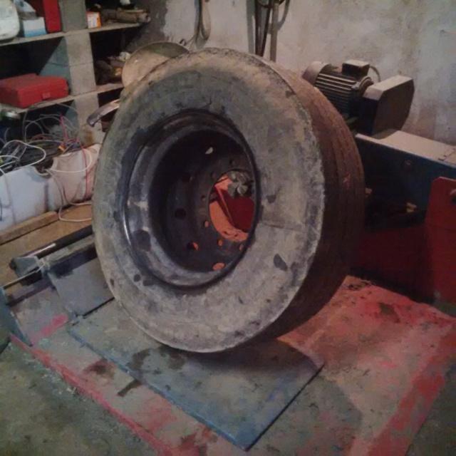 pétage de pneu Img_2023