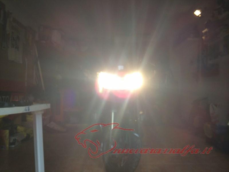 BMW R1200RT frecce Z4, faretti LED & sostituzione lampade alogene. Max45048