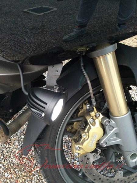 BMW R1200RT frecce Z4, faretti LED & sostituzione lampade alogene. Max45060