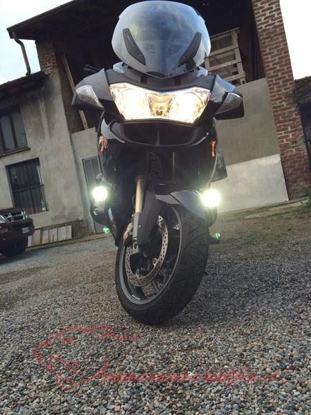 BMW R1200RT frecce Z4, faretti LED & sostituzione lampade alogene. Max45064