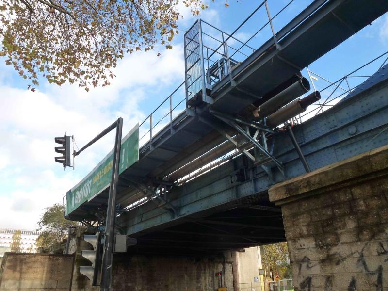 Ponts et passerelles - Page 7 P1310116