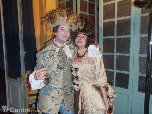 Presse du bal de Versailles - Page 5 18296810