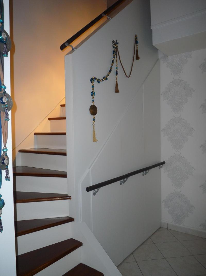 Escalier repeint et montée d'escalier relooke P1020011