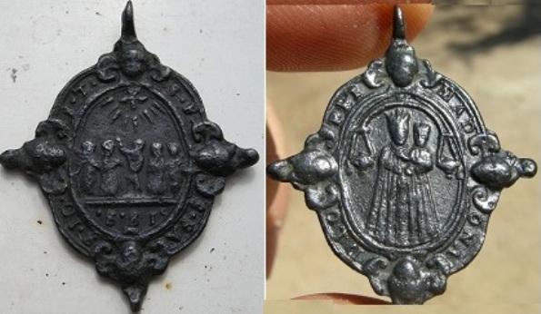 Médaille Ste Isabelle & Les cinq saints et sainte - XVIIème 85575r10