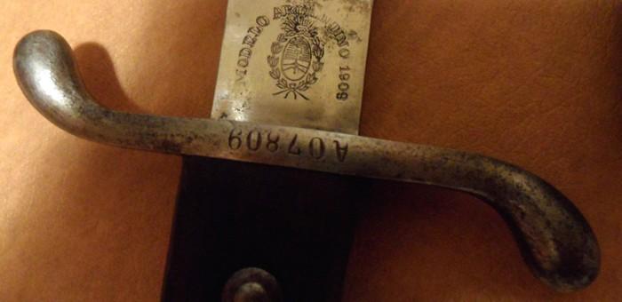 L'achat compulsif du jour : le bolo argentin modèle 1909. 700_0510