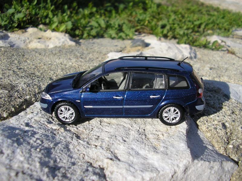 * 01 - Renault ( Les modernes post-1990 )  P1011020