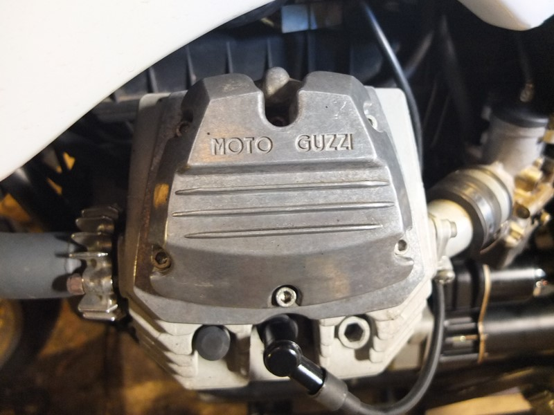 Guzzi 750 NTX revenue de loin Dscf4512
