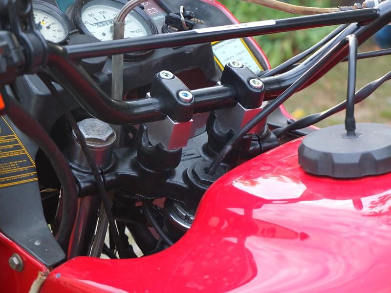 Guzzi 750 NTX revenue de loin Dscf4514