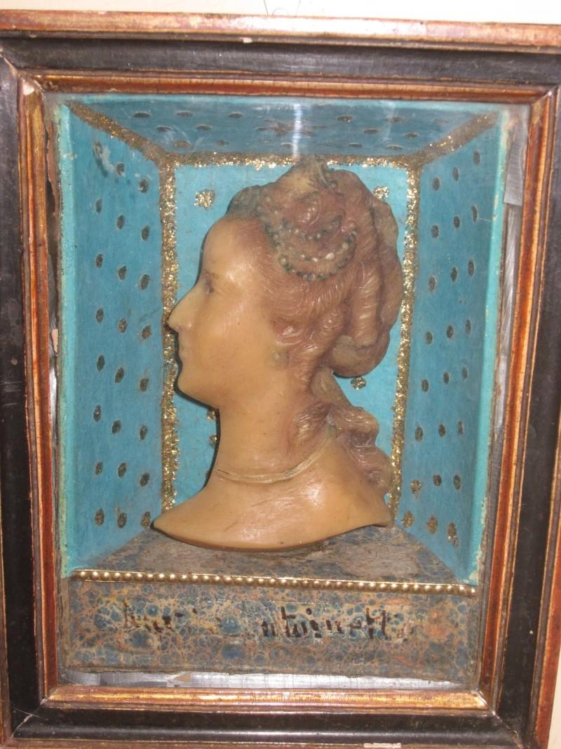 Bustes et représentations en cire de Marie-Antoinette Cire10