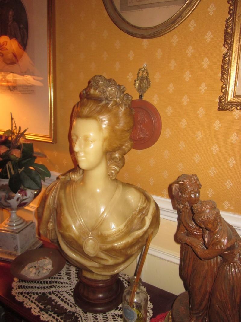 Bustes et représentations en cire de Marie-Antoinette Img_0014