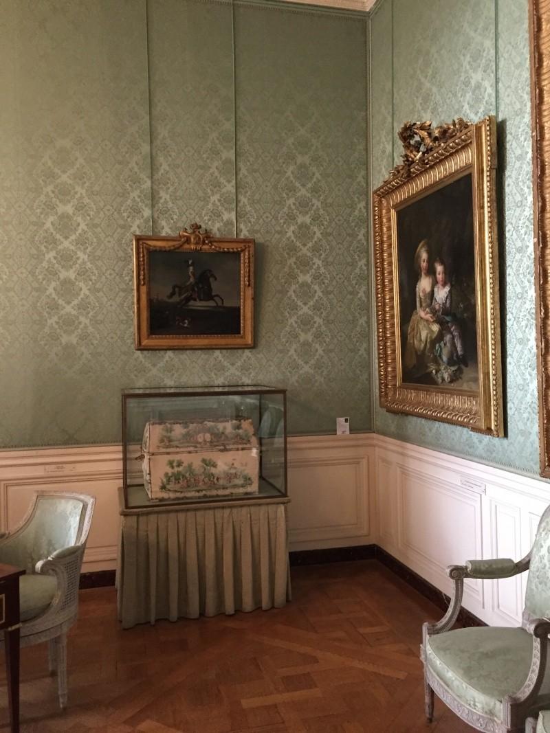 Chambre à coucher du Petit appartement de Marie-Antoinette, au rez-de-chaussée du château de Versailles Img_6012