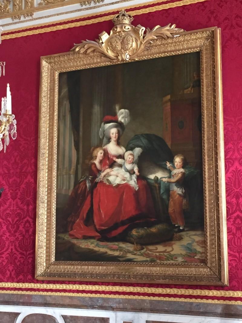 Marie-Antoinette et ses enfants, par Elisabeth Vigée Le Brun (1787) - Page 2 Img_6111