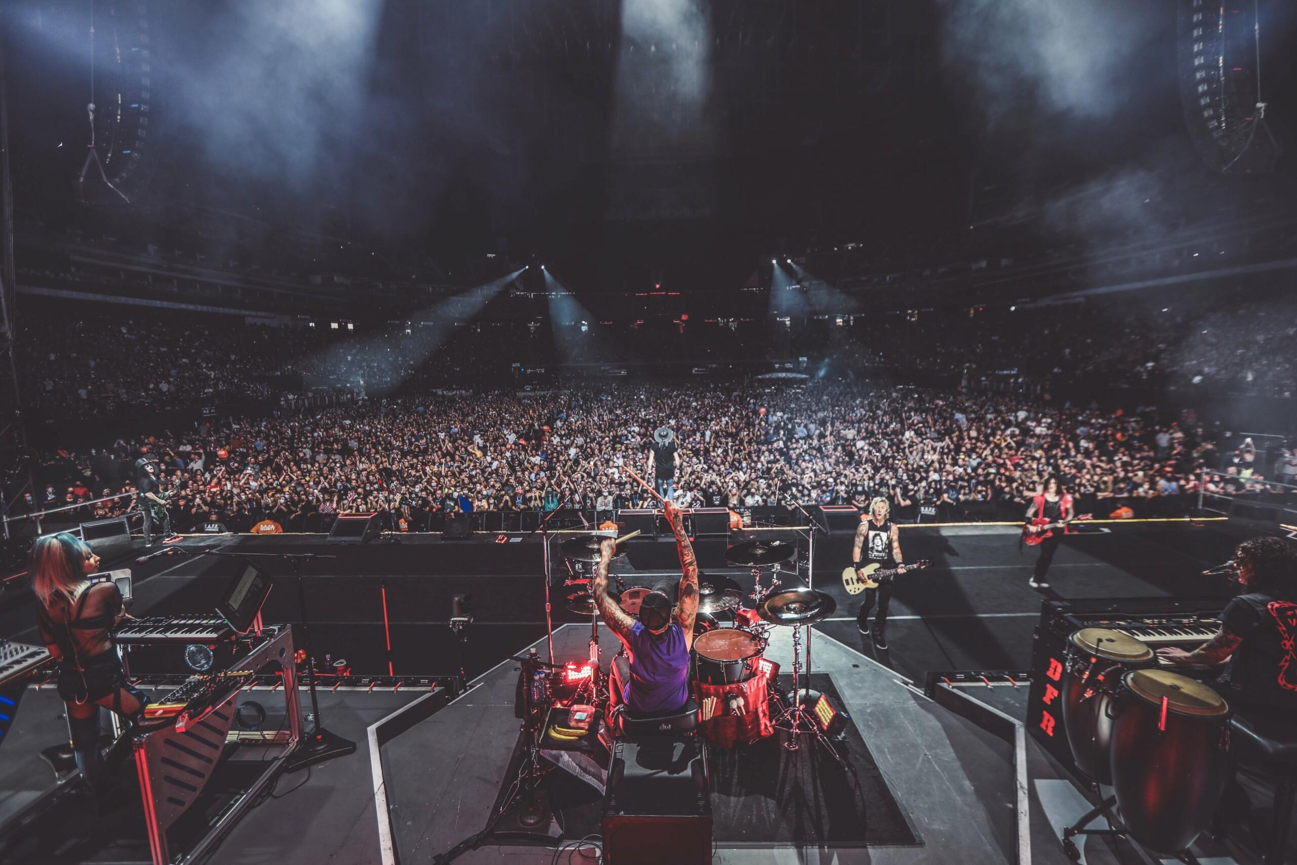 2021.08.27 - Allegiant Stadium, Las Vegas, NV, USA E-znci15