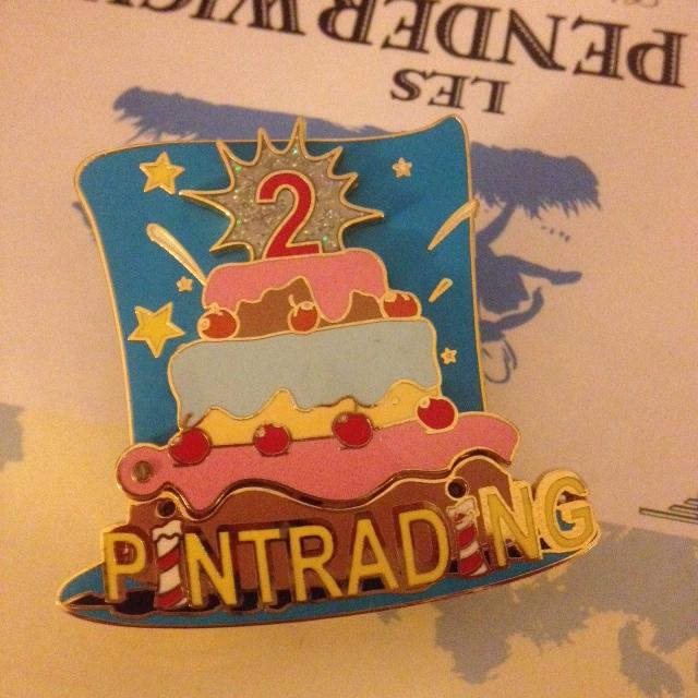 Le Pin Trading à Disneyland Paris - Page 2 Photo_44