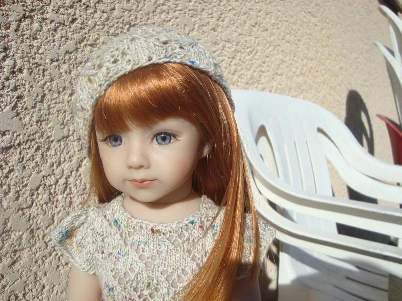Sarah profite du soleil dans sa nouvelle robe Dsc04713