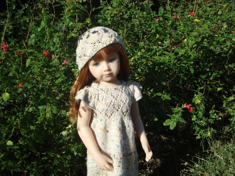 Sarah profite du soleil dans sa nouvelle robe Dsc04715