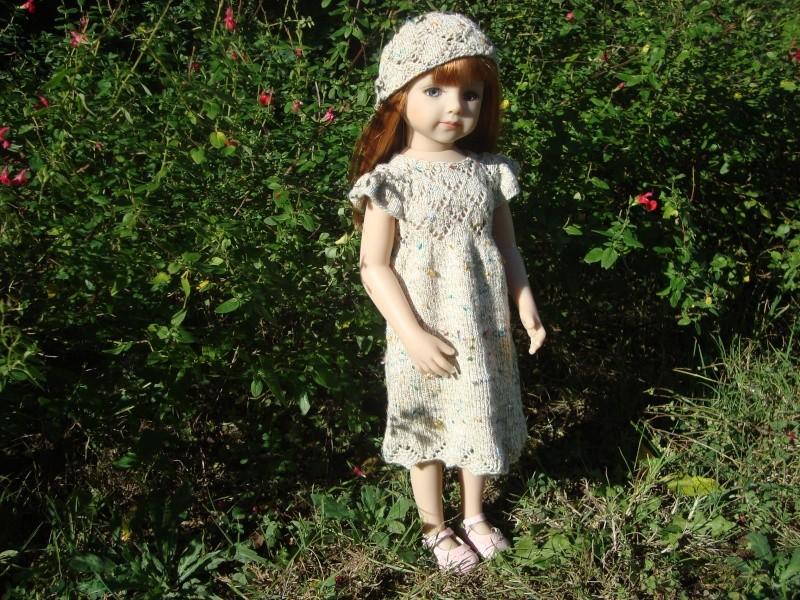 Sarah profite du soleil dans sa nouvelle robe Dsc04718