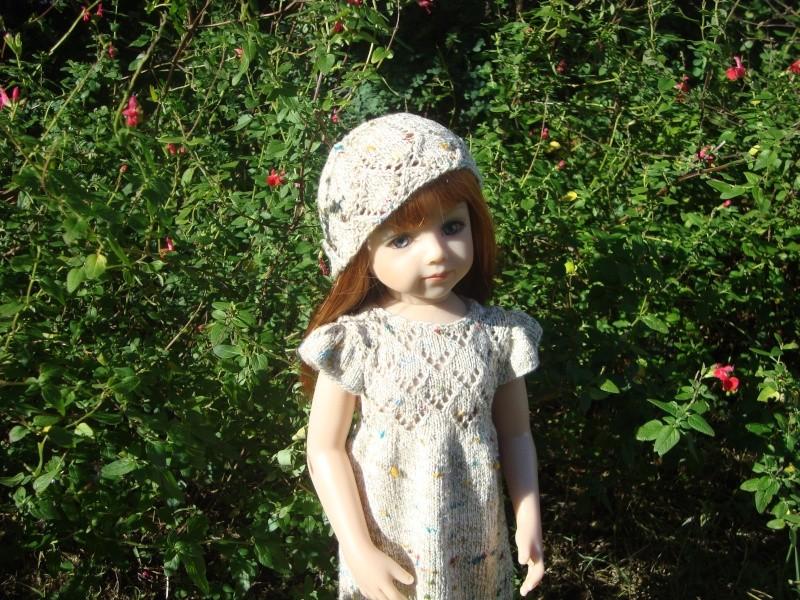 Sarah profite du soleil dans sa nouvelle robe Dsc04721