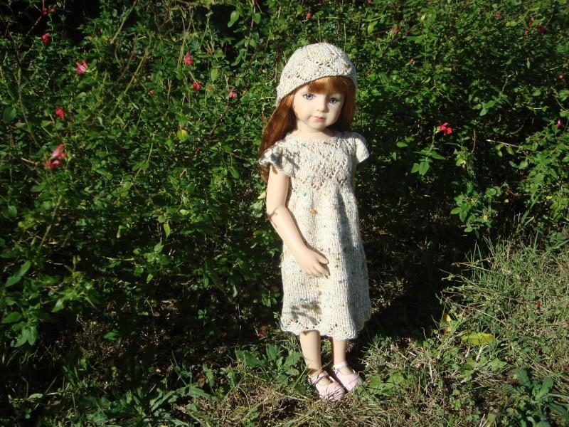 Sarah profite du soleil dans sa nouvelle robe Dsc04723