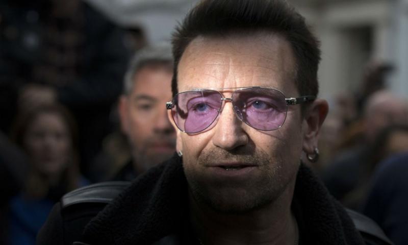 """U2 nella nuova versione di """"Do They Know It's Christmas?"""" Bono-e10"""