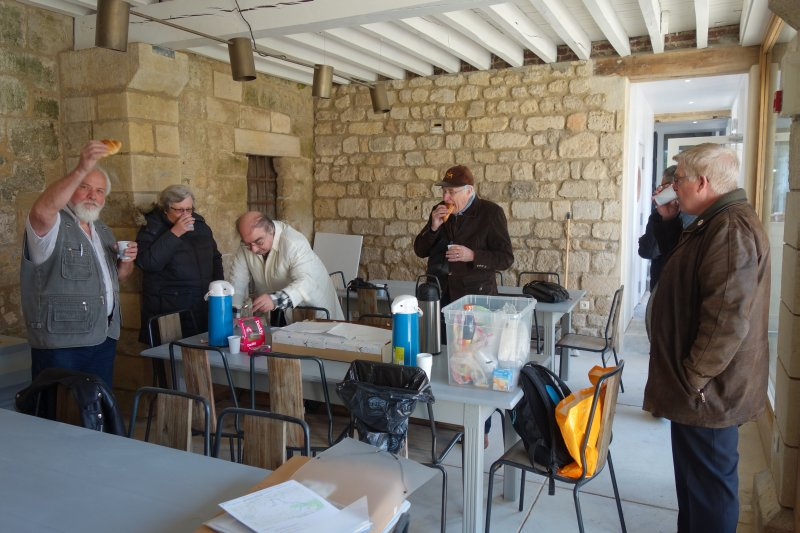 Dim 12 mai 2019 : Le Donjon de Vez - Balade Printanière en Classe S - Page 2 Img_0520