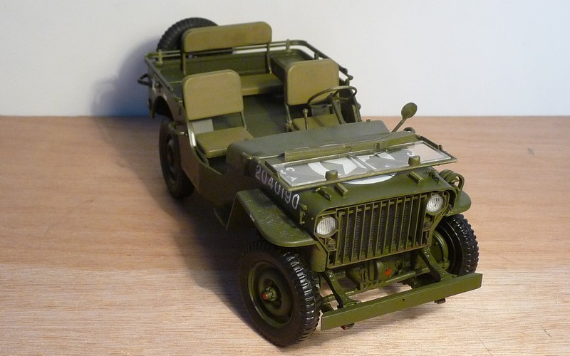 FINEMOLDS 1/20éme - U.S.ARMY 1/4 ton 4X4 TRUCK - JEEP ( SLAT GRILLE) - Page 3 P1050711