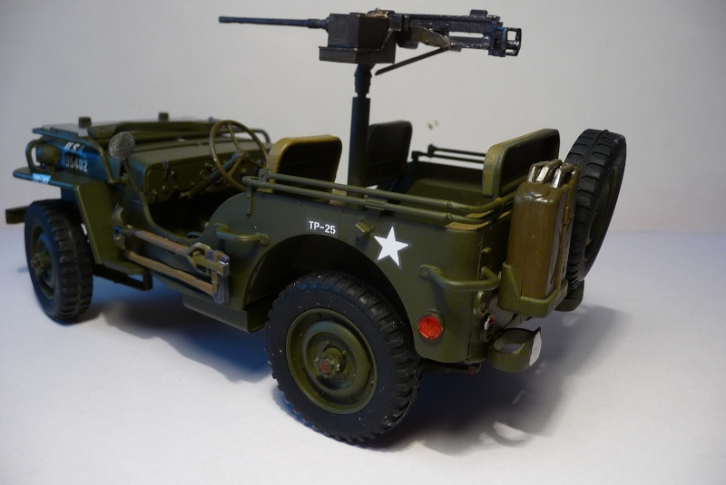 NOUVEL ACHAT=  U.S. JEEP WILLYS MB  -  MITSUWA MODEL 1/20   Display type P1050723