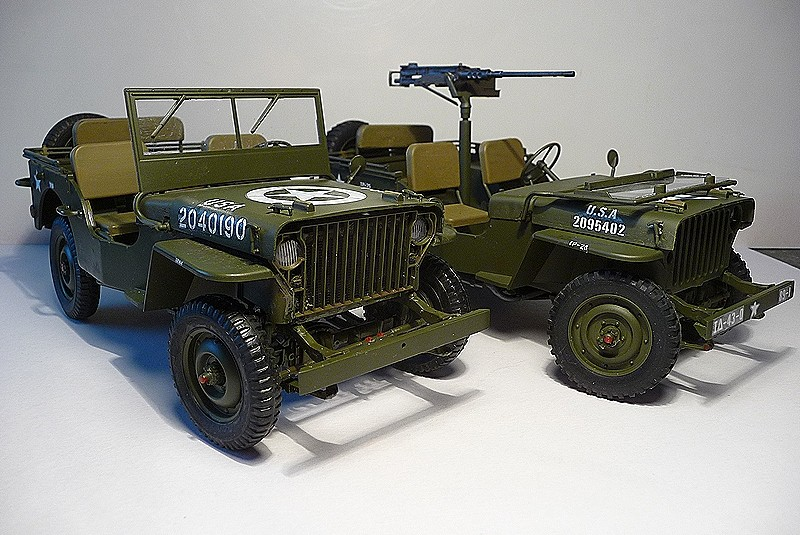 NOUVEL ACHAT=  U.S. JEEP WILLYS MB  -  MITSUWA MODEL 1/20   Display type P1050725