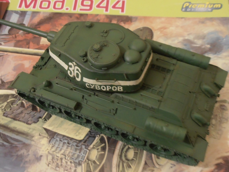 "T 34/85 ""  berlin la fin "" ( dragon 1/35eme et PE ) - Page 2 Pc080710"