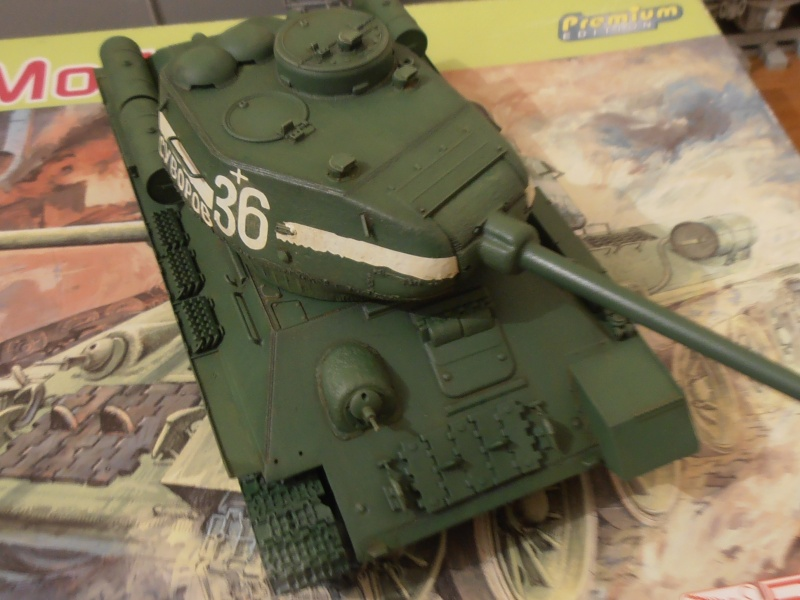 "T 34/85 ""  berlin la fin "" ( dragon 1/35eme et PE ) - Page 2 Pc080711"