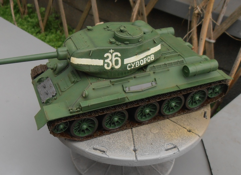 "T 34/85 ""  berlin la fin "" ( dragon 1/35eme et PE ) - Page 3 Pc090710"