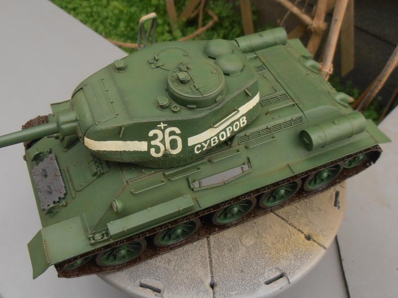 "T 34/85 ""  berlin la fin "" ( dragon 1/35eme et PE ) - Page 3 Pc090711"