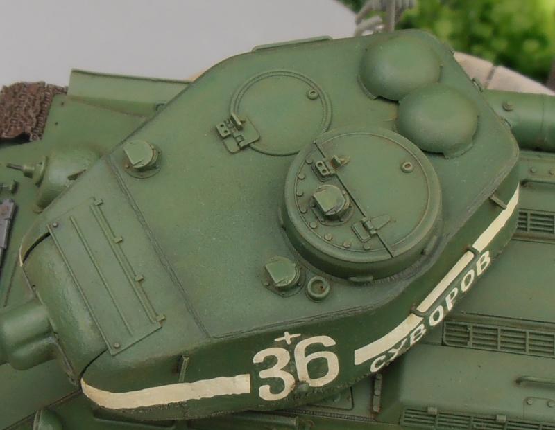 "T 34/85 ""  berlin la fin "" ( dragon 1/35eme et PE ) - Page 3 Pc090713"