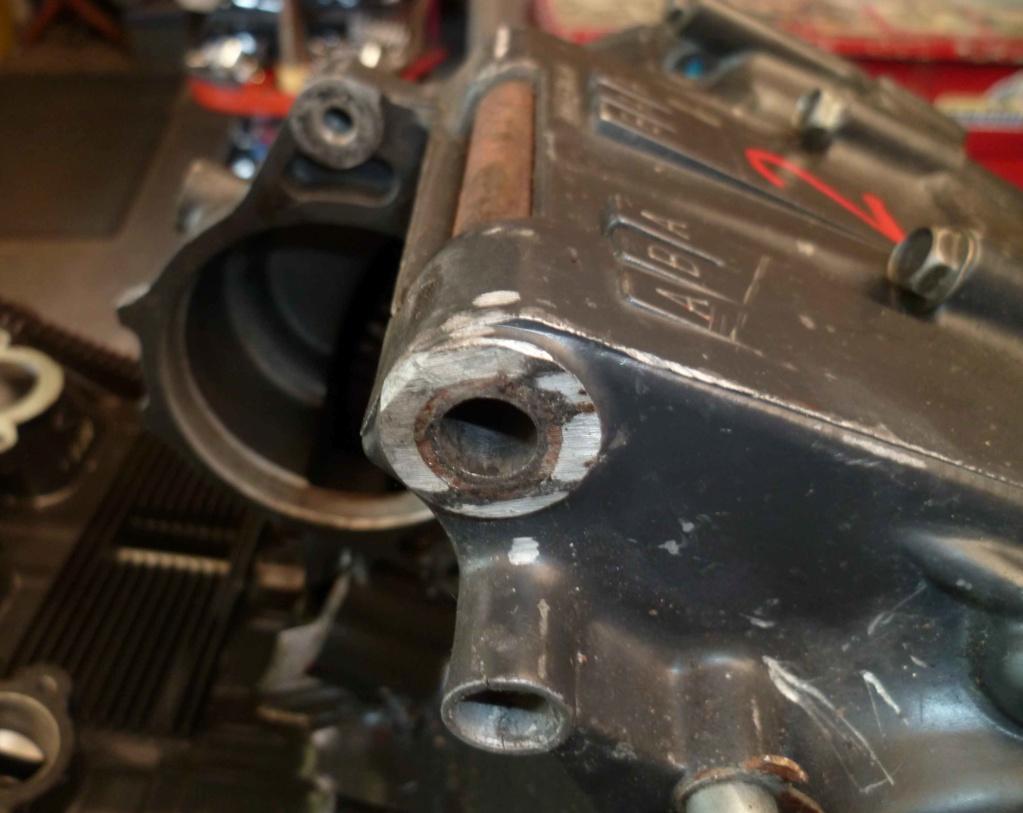 supports moteur gsxr dans cadre Martin P1060015
