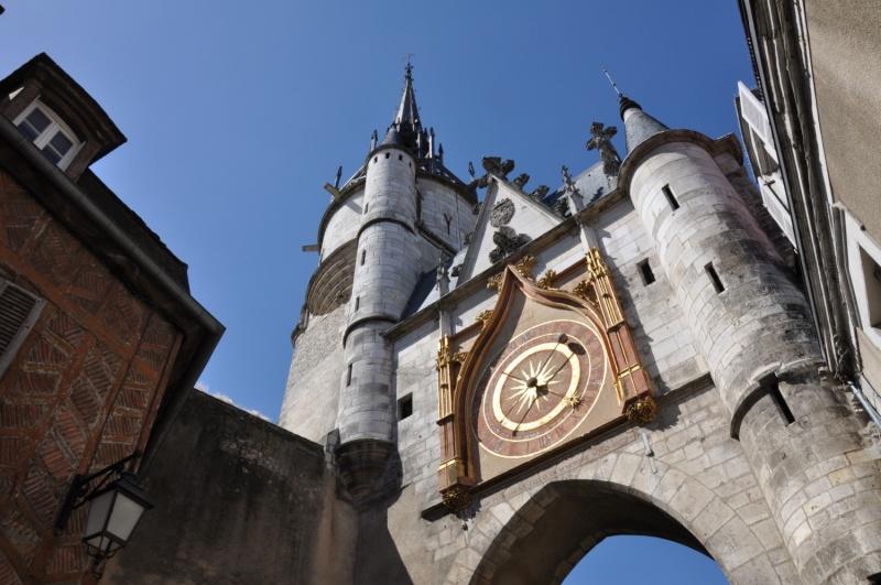 Reçu un beau diapo....Les horloges et pendules des rues..... Tour_d10
