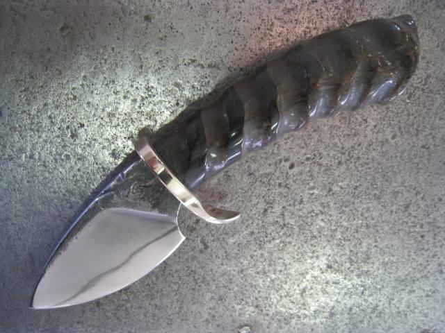 """Et un étui """"Western"""" pour un couteau ??? Img_5410"""