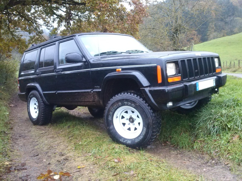 Mon Cherokee XJ!!  Cam00511