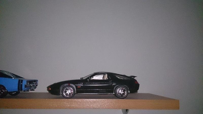 Italeri Porsche 928 S4 10366111
