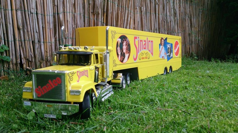 Revell Sinalco Show-Truck 10613810