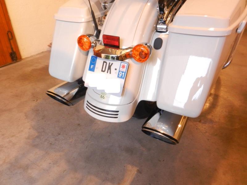 Pots sur une touring Street Glide Dscn2213