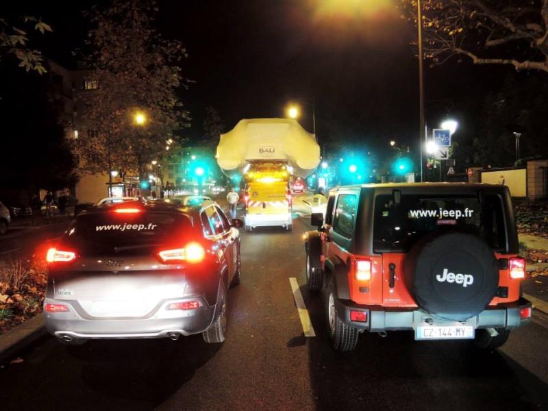 Escorte Jeep Salon Nautic ! 15069610