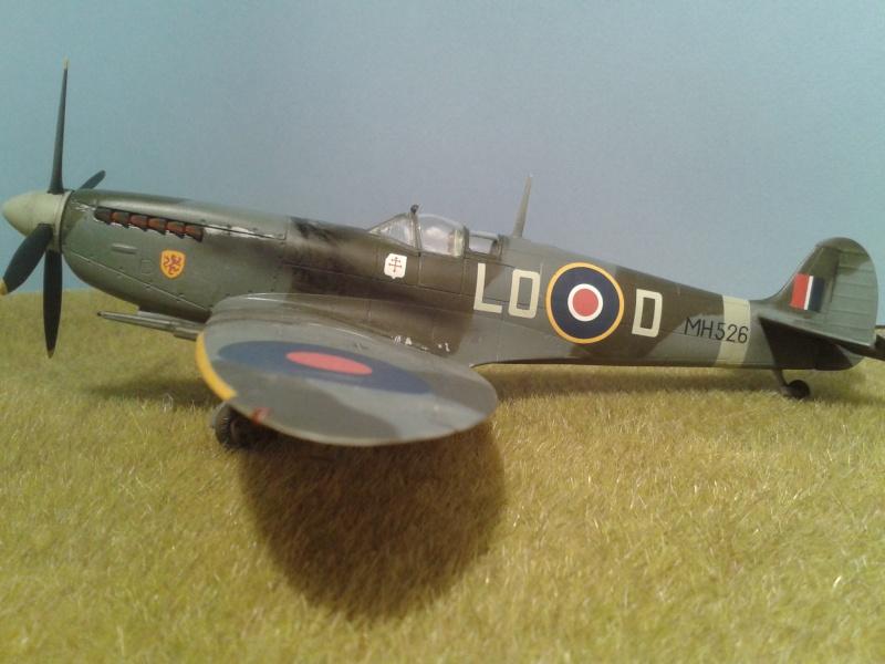 SPITFIRE Mk IX - Pierre CLOSTERMAN- 1945 2014-115
