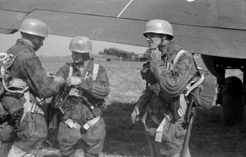 L'influence du camouflage allemand ww2, de nos jours. - Page 3 11310