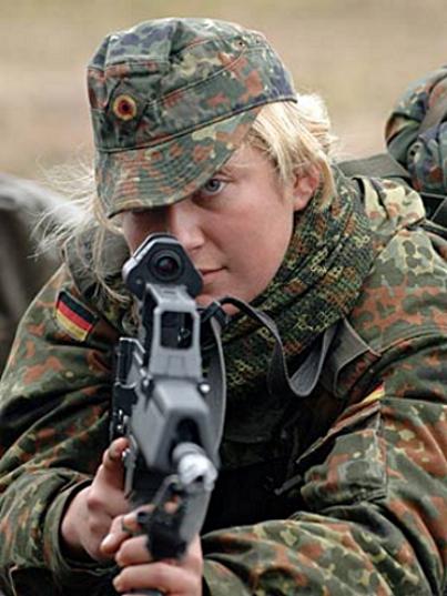 L'influence du camouflage allemand ww2, de nos jours. - Page 3 B10