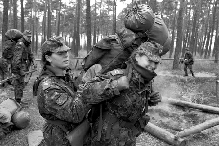 L'influence du camouflage allemand ww2, de nos jours. - Page 3 Bnb110