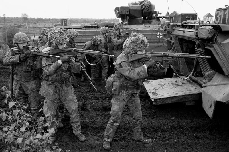 L'influence du camouflage allemand ww2, de nos jours. - Page 3 Bnb210