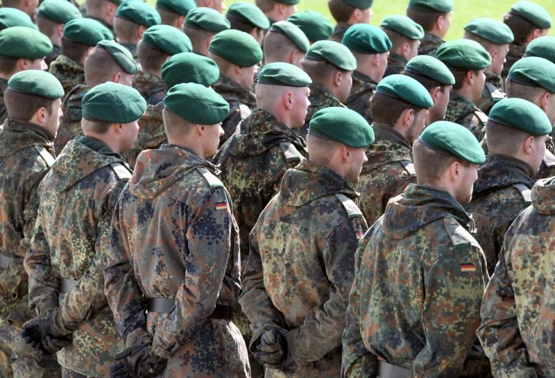 L'influence du camouflage allemand ww2, de nos jours. - Page 3 Bundes10