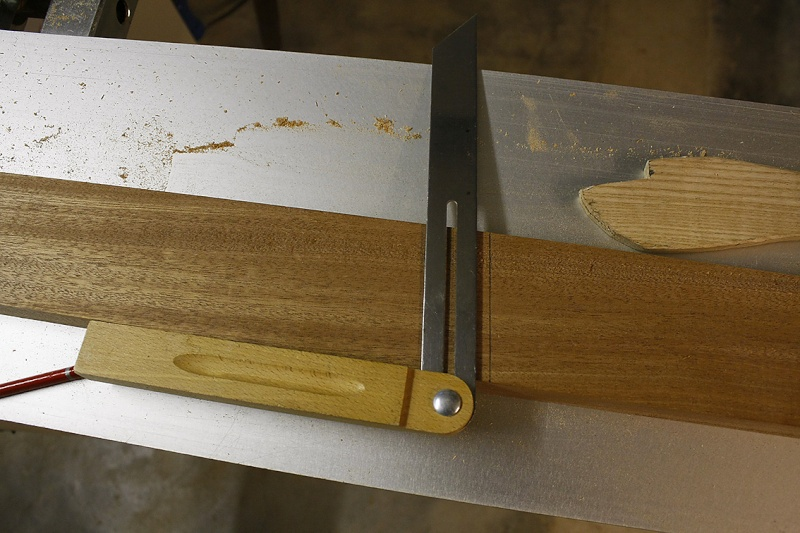 """[Fabrication] Roulotte de bohème => Une porte """"façon Kity"""" - Page 3 Angle-10"""