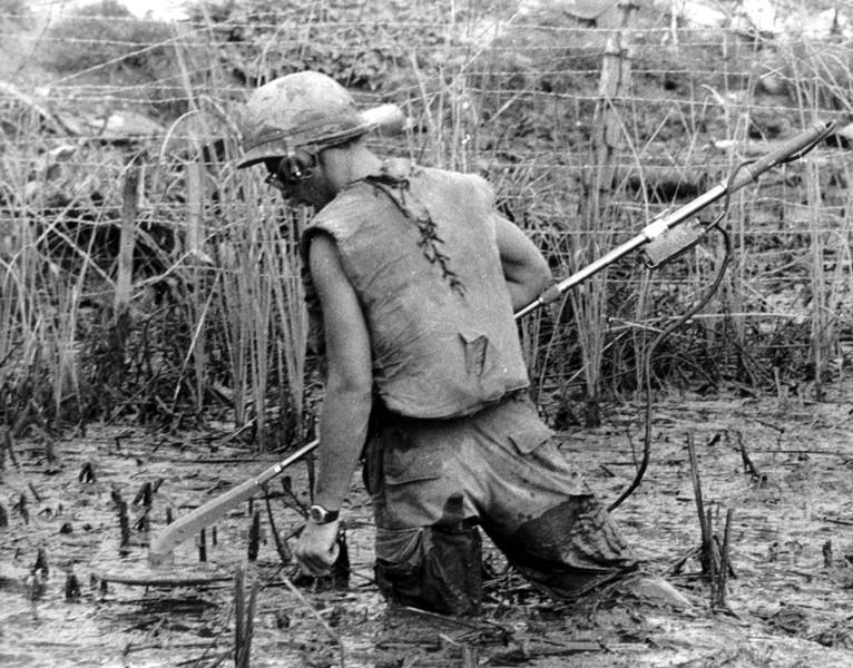 Les pièges en bambou Vietcong (Booby traps) partie 1 P3510